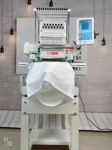 Вышивание машины для бытовых швейных машин одной головки блока цилиндров 12/15 цветов на заводе в Китае