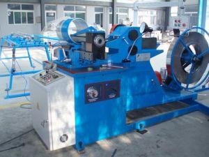 機械(DDGJ-1.2-1500-B)を形作る螺線形の管
