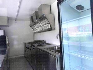 Alimento mobile Van di Kebab della strumentazione della cucina
