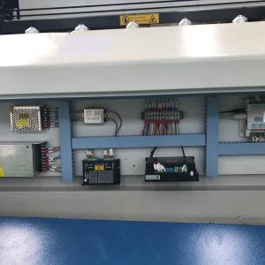 CNCの自動制御表の二酸化炭素レーザーのカッターの彫版の製造