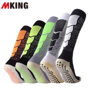 На заводе Wholesales моды колено высокой Терри Padding футбол хлопок носки с ПВХ скольжения