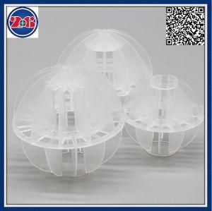 空のプラスチックPolyhedral球を詰めるタワー