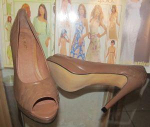 Nouvelle mode haut talon Peep Toe Mesdames sandales