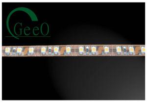 Una striscia flessibile di 3528 SMD LED