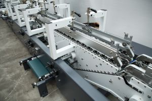L'encollage de la machine pour 2 carton de correspondance à partir de machines de Wenzhou (GK-650GS)