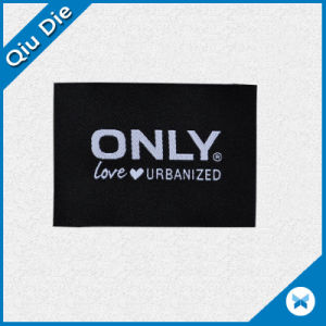 Marca de lujo Sew-on/ Plancha en la etiqueta tejida para ropa de mujer
