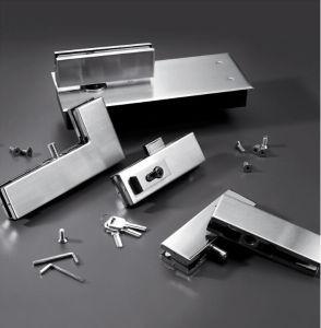 유리제 문 패치에 의하여 솔질되는 스테인리스 바닥 문 패치 이음쇠