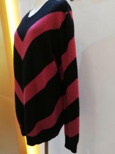 新しい女性のカシミヤ織のウールのセーターの円形の首のカーディガンのニットウェア