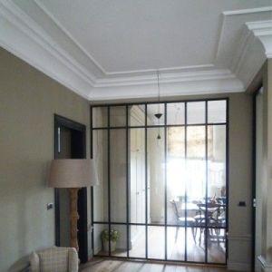 82687-1芸術の建築材料のための手によって切り分けられるホームトリムの白いコーニス