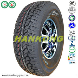 道のタイヤを離れた31X10.50r15ltタイヤの泥のタイヤはタイヤを取る