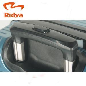 새로운 디자인된 ABS+PC 수화물 고정되는 알루미늄 관 트롤리 수화물