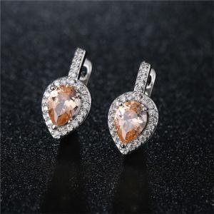 シンプルな設計の立方ジルコニアの方法イヤリングの宝石類