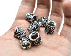 工場卸し売り24PCS毛のひげVikingはブレスレットの吊り下げ式の首の宝石類のための旧式な銀のビードの調査結果を魅了する