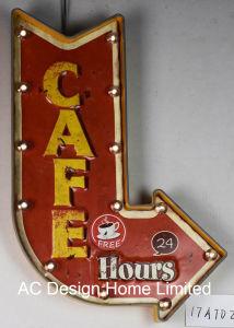 Decoração Vintage Antique Emboss Cafe 24 Aberto do design da estrutura de metal e plástico Decoração de parede W/Luz de LED