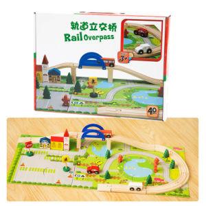 As crianças de madeira Viaduto ferroviário urbano educacional via ferroviária de Ponte de brinquedos