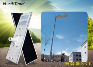 LED de alta eficiencia al aire libre inteligente de la calle la luz solar con un panel solar