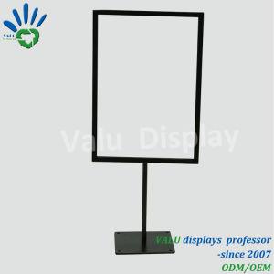 99e82ab20 Um cartaz publicitário de metal4 Suporte Vertical Stand Pop Promoção  Desktop loja de roupas Restaurante Promoção