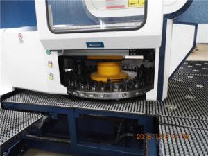 FanucまたはSiemensのコントローラが付いているDadong D-T30 CNCの出版物の打つ機械