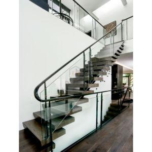 Maison moderne décorer balustrade de verre noir escaliers en bois ...