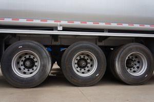 半三車軸45000Lステンレス鋼の燃料タンクのトレーラー