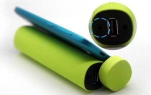 El cilindro auricular Bluetooth con cargador de batería externo 4000mAh (OM-S31)