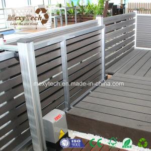Le WPC électrique extérieur jardin clôture avec porte coulissante ...