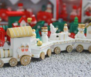 Un tren de madera con coloridos bloques de madera para la Xmax Don