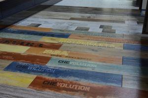 De goedkope Houten Tegels van de Vloer van het Effect van de Kleur Houten
