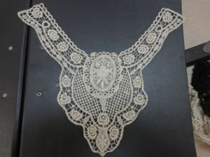 100% coton Collier Collier /Broderie vêtement en coton (YL-45)