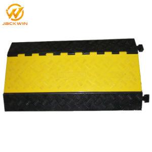 A segurança do tráfego 1/2/3/4/5 canais de borracha preta com protecção da tampa do invólucro amarelo de PVC de rampas de cabo para Serviço Pesado piso interior o fio fase de eventos ao ar livre