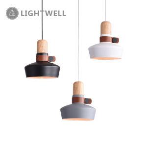 La moderna de hierro lámpara colgante simple con el roble y cuero de PU