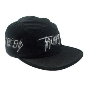 カスタムHip Hopの帽子の黒によって刺繍されるロゴの帽子の最高の5つのパネルの帽子