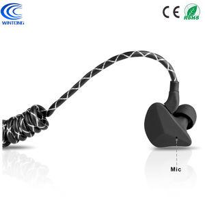 La stereotipia ad alta fedeltà di nuovo arrivo mette in mostra il trasduttore auricolare senza fili di Bluetooth della cuffia impermeabile