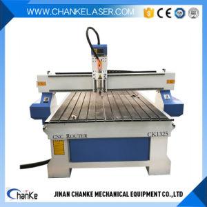 3D CNCの家具のペンキのドアのための木製の切り分けるルーター機械
