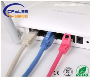 China proveedor UTP Cat5e 1.5 pies (0,5 metros) Cable azul