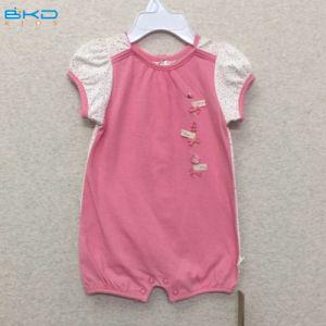 袖なしの赤ん坊はカスタムサイズの赤ん坊のロンパースに着せる