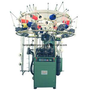 継ぎ目が無い衣服のための円の編む機械