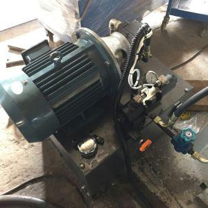 Pot de fleurs en plastique perforateur/pot de fleurs le trou inférieur du trou de la machine de perforation/perforateur/perforation de la machine pour le pot de plastique ou de la faucheuse de trou