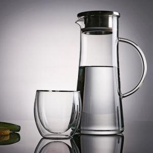ステンレス鋼のふた及びハンドルが付いている極度の大きい耐熱性ガラス飲料の水差し