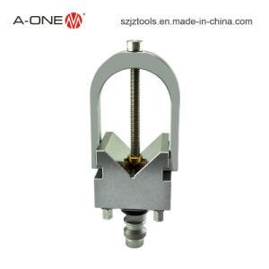 Una liberación rápida de acero de una forma de V cable cortado a titular de la EDM 3A-200007