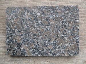 山東の平板の床タイルのための高貴な真珠の花こう岩
