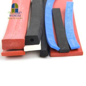 Joint en caoutchouc souple en silicone personnalisé la bande en mousse pour la porte du four