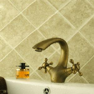 Antiquaの浴室の洗面器のコック(6652)