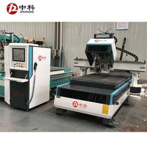 Auto Tool Changingの木CNC Engraving Machine