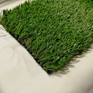 Commercio all'ingrosso sintetico dell'erba del tappeto erboso del prato inglese artificiale di alta qualità