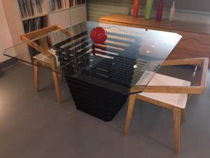 Praça de bambu espectro mesa de jantar com revestimento superior em vidro