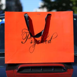 Fashion Orange sac cadeau fourre-tout sac shopping Vêtements d'hiver La taille de paquet L'emballage personnalisé