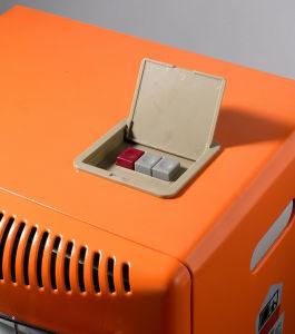 3plate Hightの効率の陶磁器バーナーSn08-Dが付いている移動式ガスか電気ヒーター