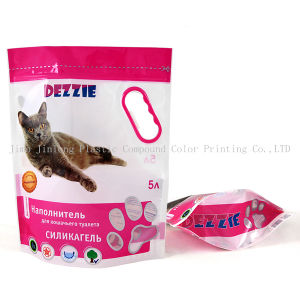 지퍼를 가진 애완 동물 먹이 포장 부대를 위로 서 있으십시오
