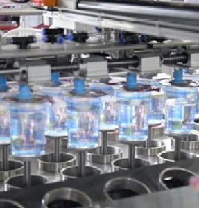 Vullende van de Verpakking van het voedsel drukt de Automatische en Verzegelende Machine en de Datum van de Productie af